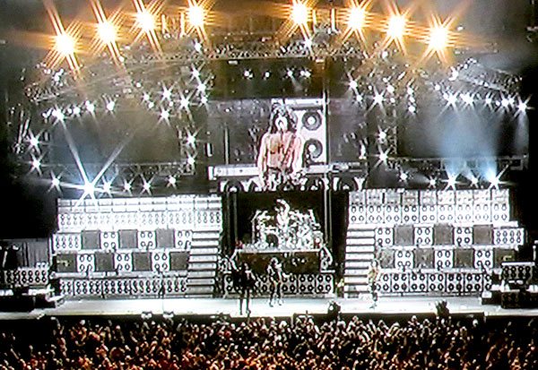 KissRockTheNationLive_stage