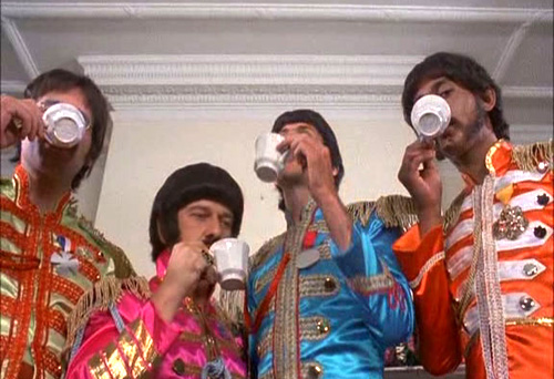 Rutles2_tea
