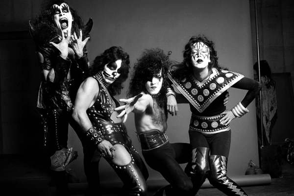 Kiss Hotter Than Metal