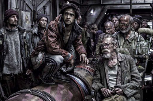 Snowpiercer_crowd